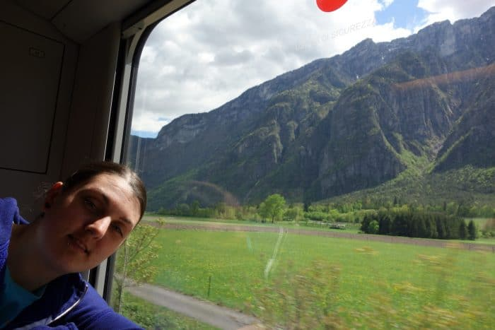 A guide to using the Train in Italy: How to travel for cheap and like a local! Save money, local travel, cheap travel in italy, train, buses, how to travel around italy